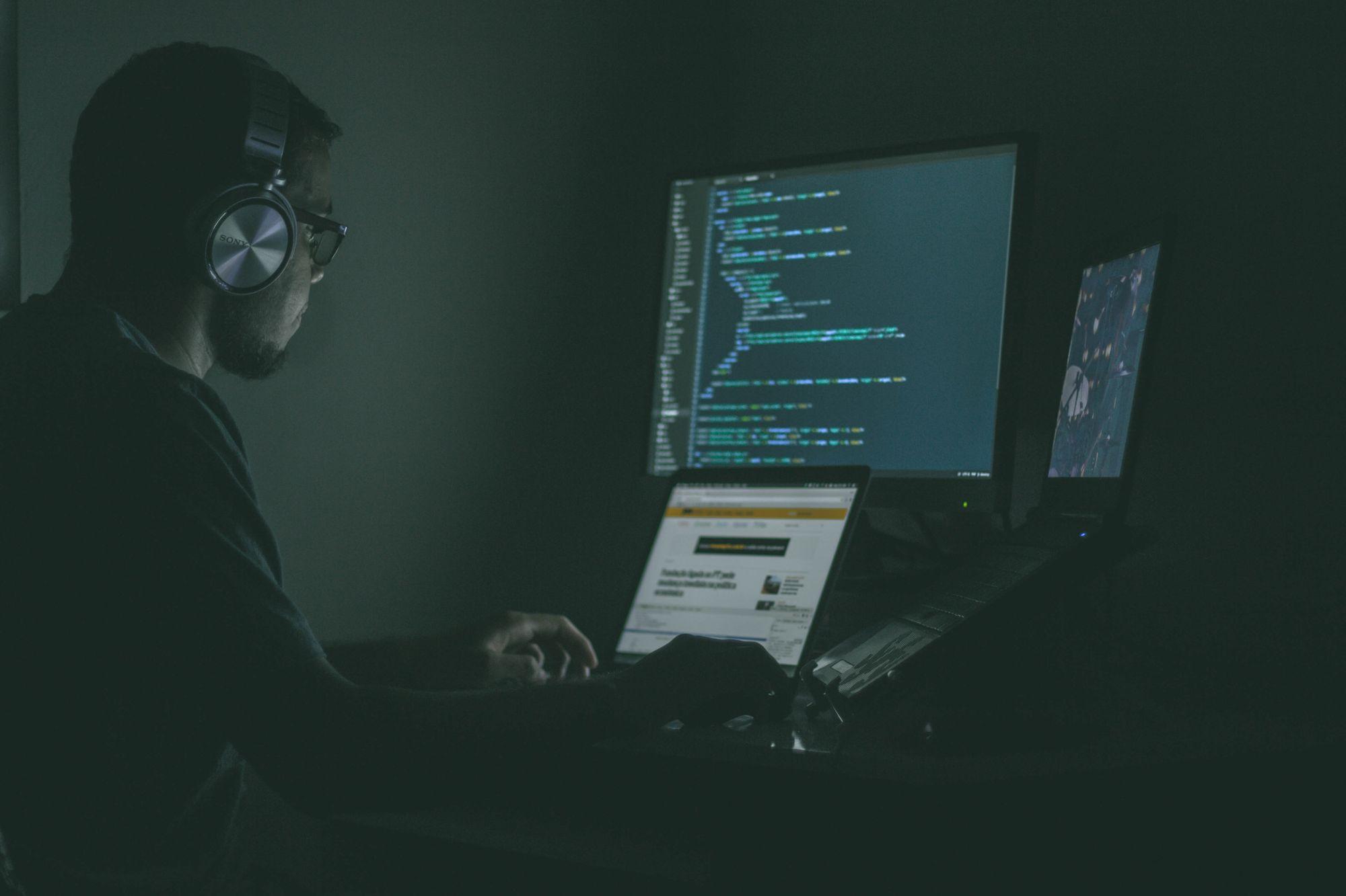 Programmer vs Developer vs Engineer: An Ultimate Guide for Technical Recruiters To Tell Them Apart image
